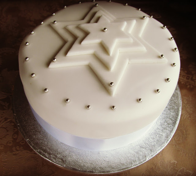 Good Food, Shared: How To Decorate A Christmas Cake