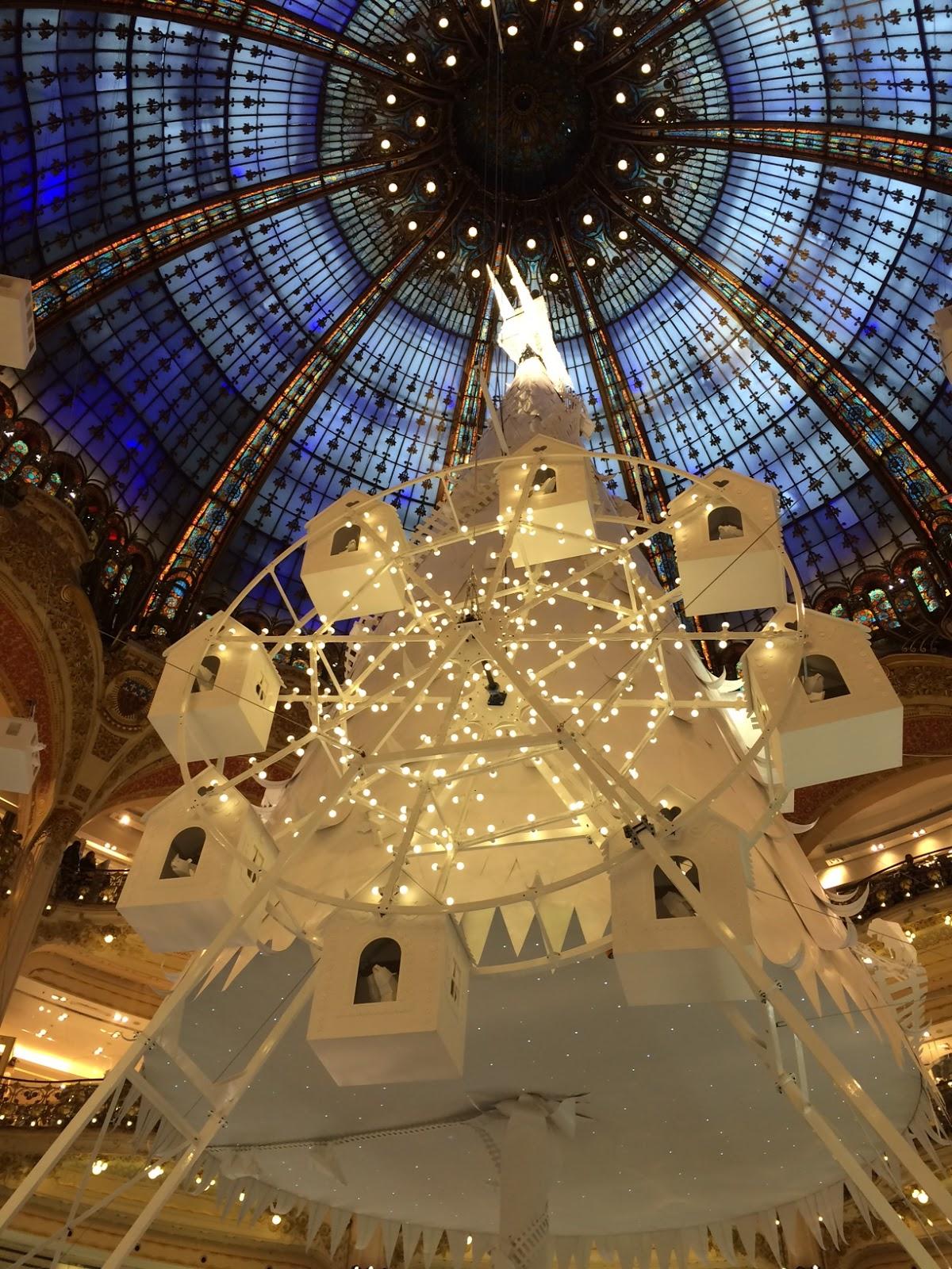 #A07D2B Say Oui To Paris: 2016 Holiday Decorations At Galeries  5431 décorations de noel galeries lafayette 1200x1600 px @ aertt.com