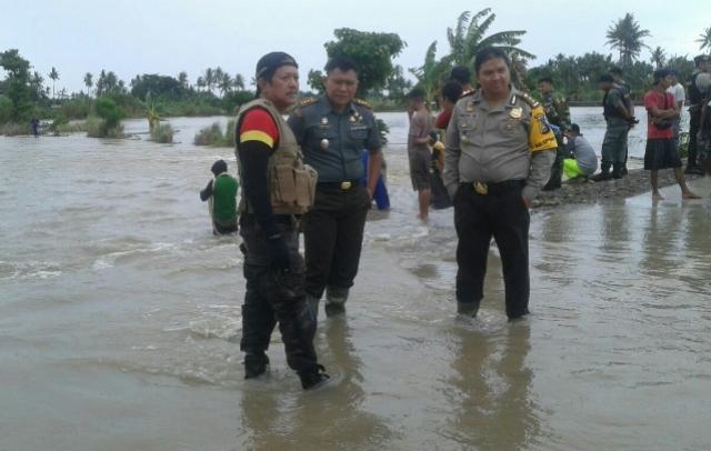 Didampingi Kapolres dan Dandim, Bupati Kaswadi  Sambangi 3 Titik Banjir