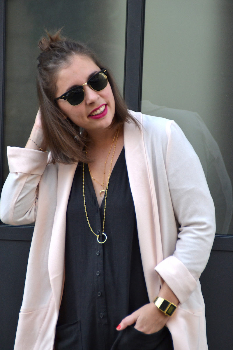 combinaison longue en lin asos, blazer rose pimkie,collier Lily's creations et rebecca minkoff, clubmaster,montre casio