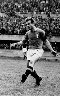Mazzola in action for the Italian  national team in 1947