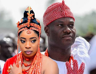 Oba Enitan Adeyeye Ogunwusi, the Ooni of Ife and his queen, Wuraola Zaynab Otiti
