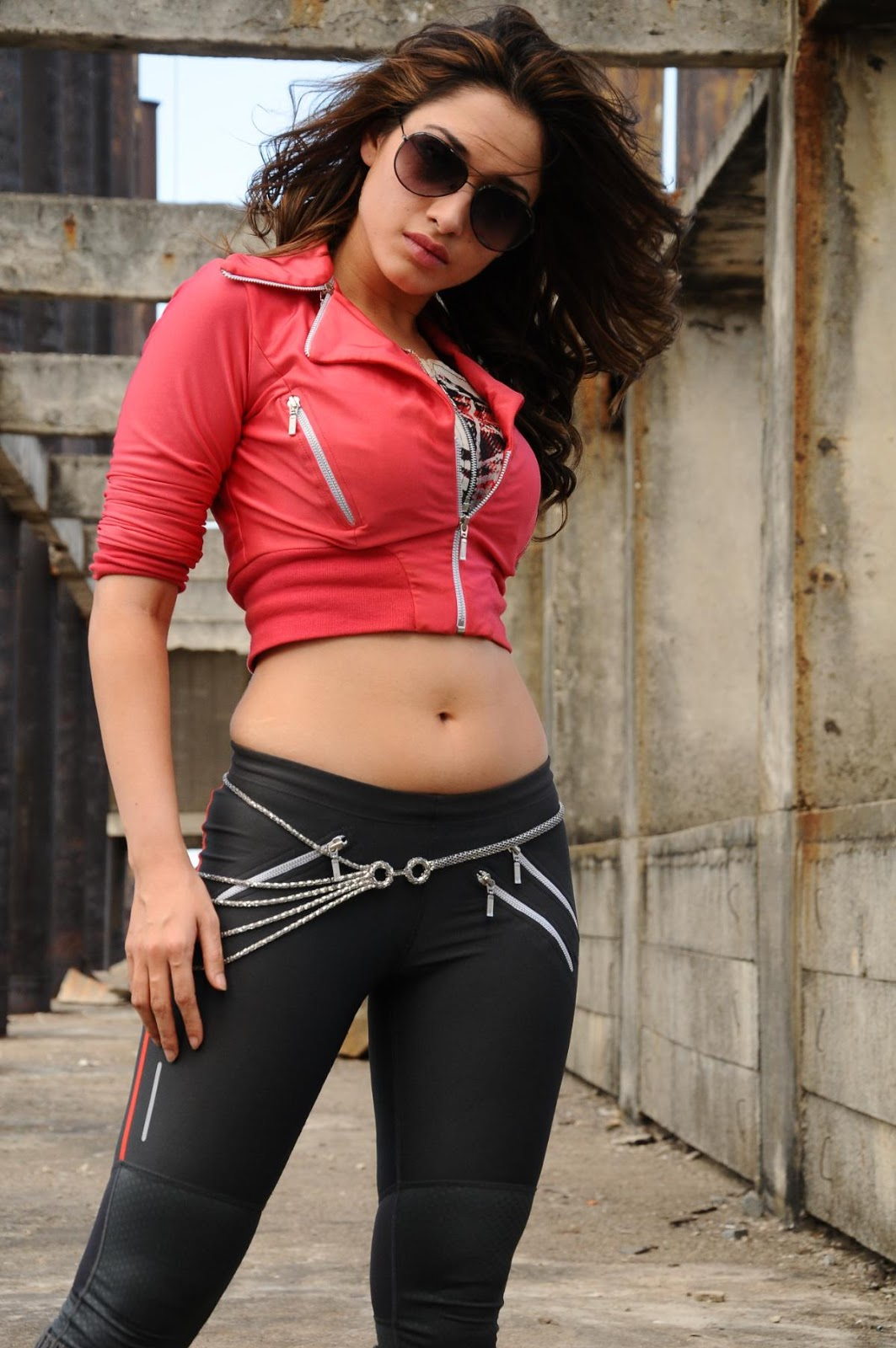 Tamanna Without Makeup: Tamanna Hot Without Dress Images
