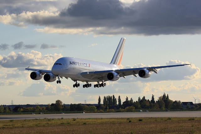 Air France Airbus A380-800 Landing Scene