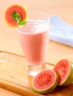 buahan sangat dianjurkan bagi siapa saja yang ingin mempunyai tubuh sehat Cara Membuat Jus Jambu Biji yang Nikmat dan Sehat