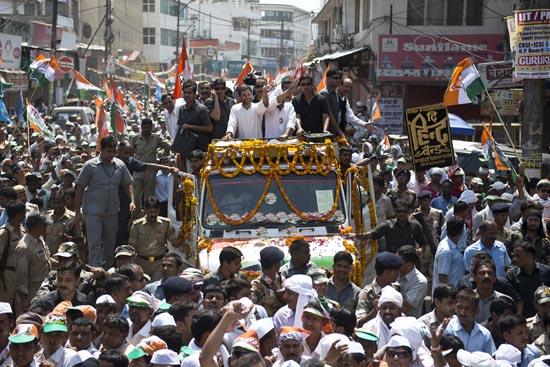 राहुल को मिल रहा है किसानो का जबरदस्त समर्थन: राजीव शुक्ला