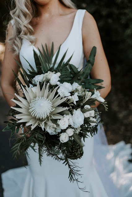 WEDDING FLOWERS TOWNSVILLE FLORAL DESIGNER