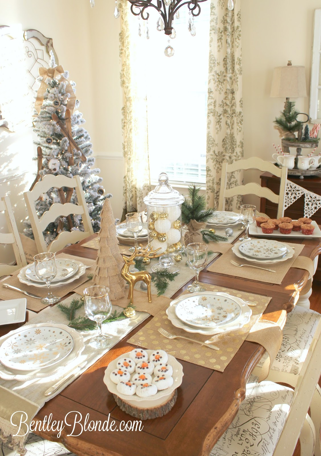 BentleyBlonde: Holiday Brunch Ideas | Christmas Table, Hot ...