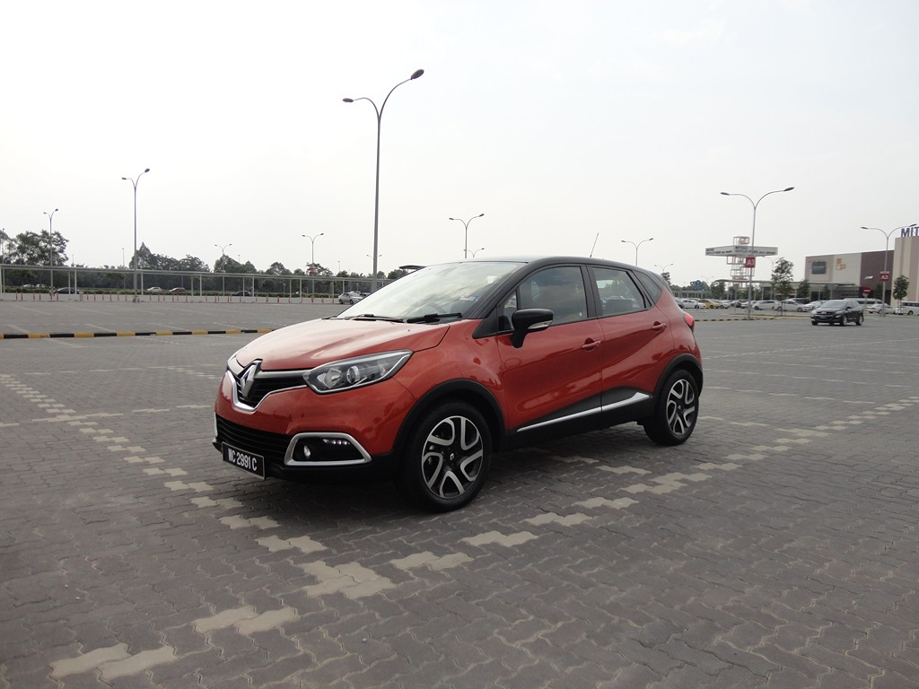 motoring malaysia test drive renault captur tce 120 edc renault 39 s is out to capture the. Black Bedroom Furniture Sets. Home Design Ideas