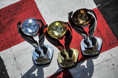 Troféus dos campeões da Copa Centro-Oeste (Duda Bairros/Copa Truck)