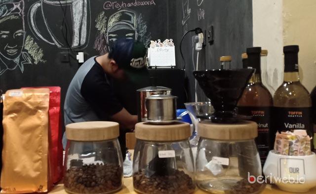UPDATE..! Your Coffee Landasan Ulin, Bisnis Gaya Hidup Mahasiswa