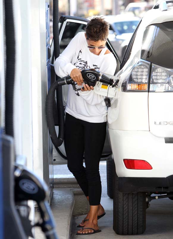 Top Life Insurance Companies >> Celebrity Fashion at the Gas Station | Fashion Naturally