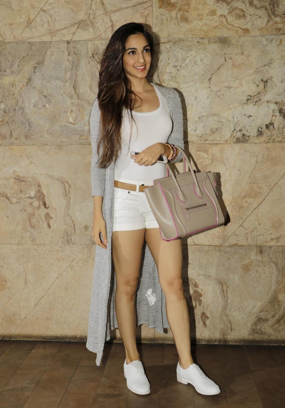 Kiara Advani Showcasing Her Sexy Long Legs At Film 'Bajrangi Bhaijaan' Special Screening At Lightbox Cinema, Mumbai ❤ ❤  ❤