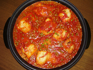 BACALAO CON TOMATE Y GUISATES