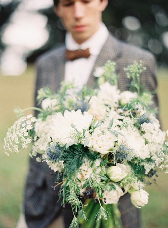 pretty white wedding bouquet
