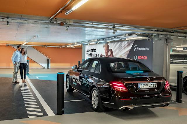Mercedes mostra sistema de estacionamento autônomo