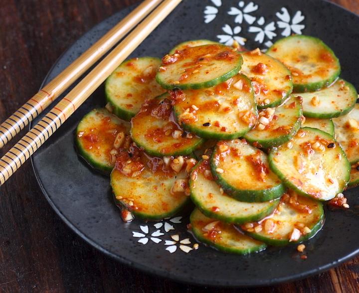 Spicy Korean Cucumber Salad (Oi Muchim) recipe by SeasonWithSpice.com