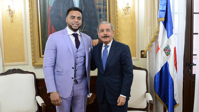 Nelson Cruz visita al presidente Danilo Medina