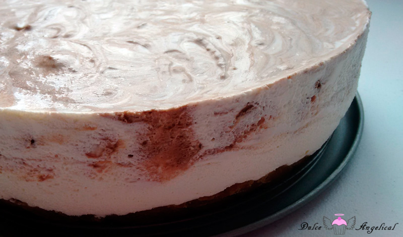 Delicioso cheesecake de crema irlandesa sin horno