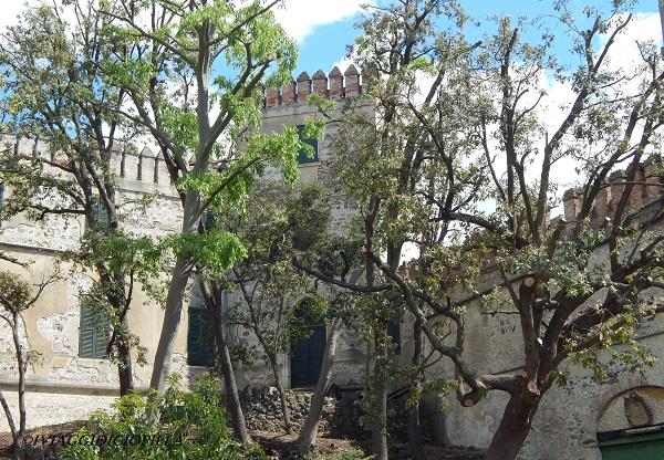 Castello del Catajo e il giardino esterno