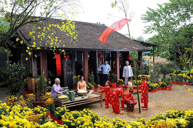 Enjoy Vietnamese Tet Holiday 1