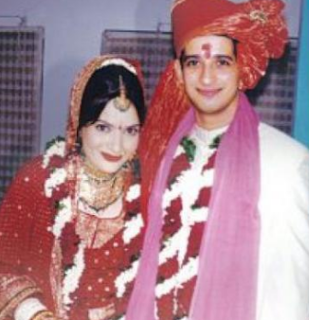 Sharman Joshi Family Wife Son Daughter Father Mother Marriage Photos Biography Profile