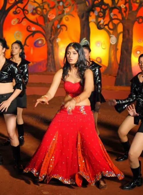 Anushka Shetty hot photos in red