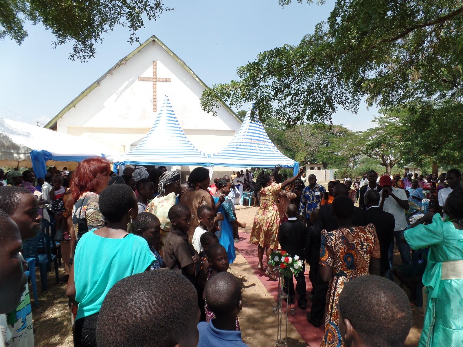 Hanneke Ouke Anne In Kumi Trouwen In Uganda