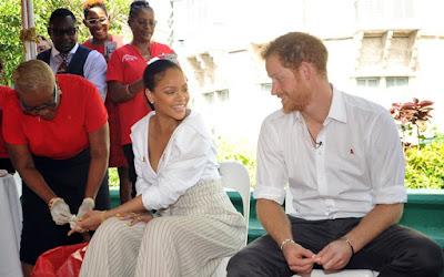 Η πλάκα του πρίγκιπα Χάρι στην Rihanna στην εξέταση για τον ιό του AIDS
