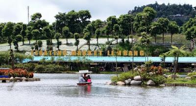 Wisata Di Floating Market Yang Sayang Dilewatkan