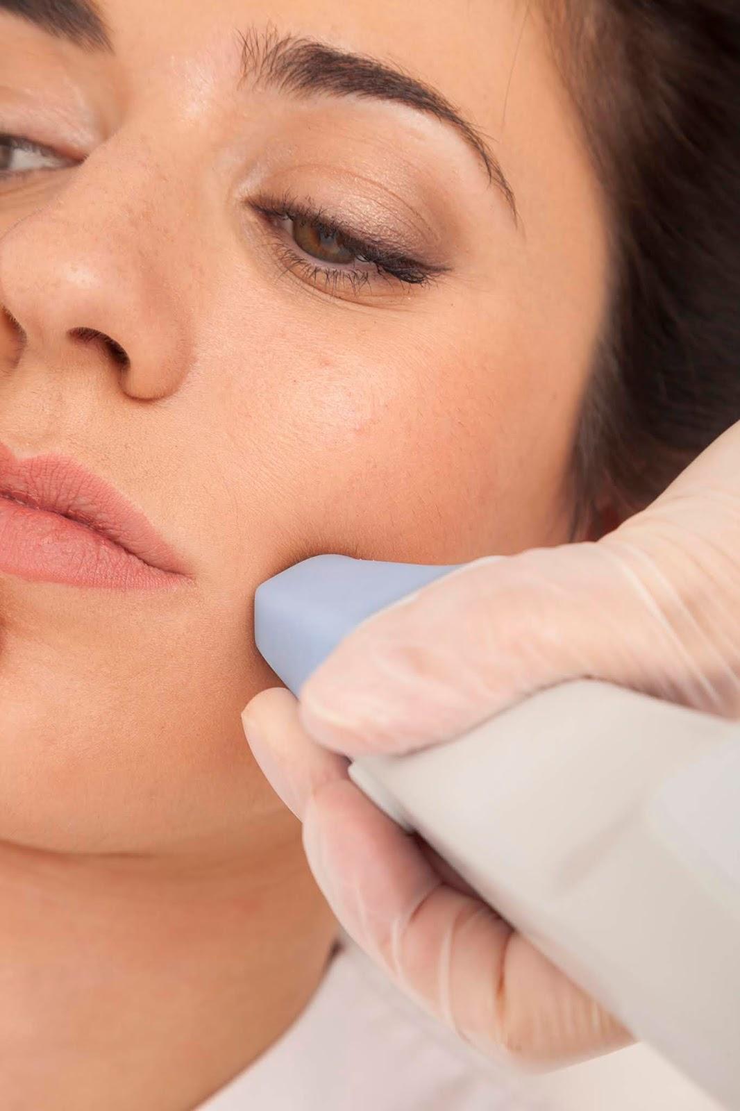 Tratamiento facial en medicina estética ERES