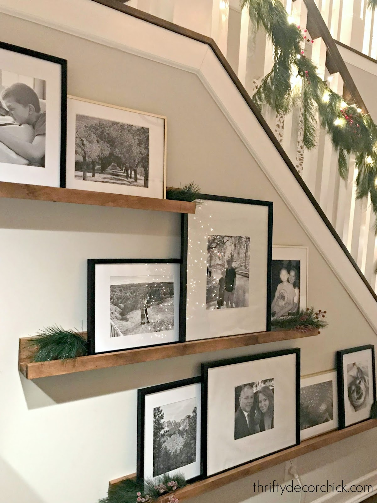 DIY wood picture shelves from 1x4s