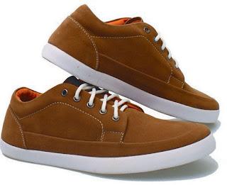 Merk Sepatu Branded yang Favorit