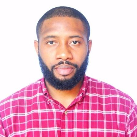 Nigerian Man Protests Bitterly After He Was Allegedly Refused Holy Communion Because Of His Beard