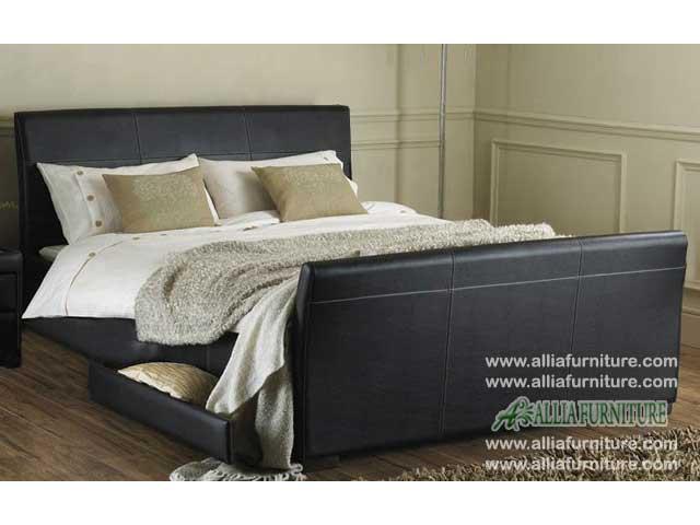 tempat tidur minimalis laci lapis kulit milan