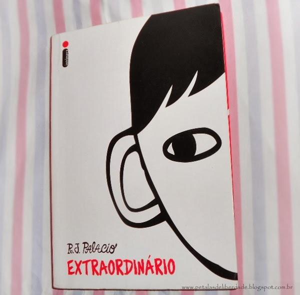 Extraordinário, R. J. Palacio, Editora Intrínseca, livro, capa, sinopse