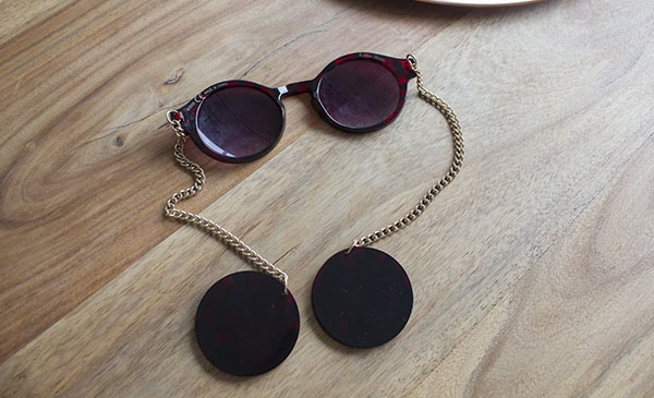 Sunglasses Chain Templete Shades