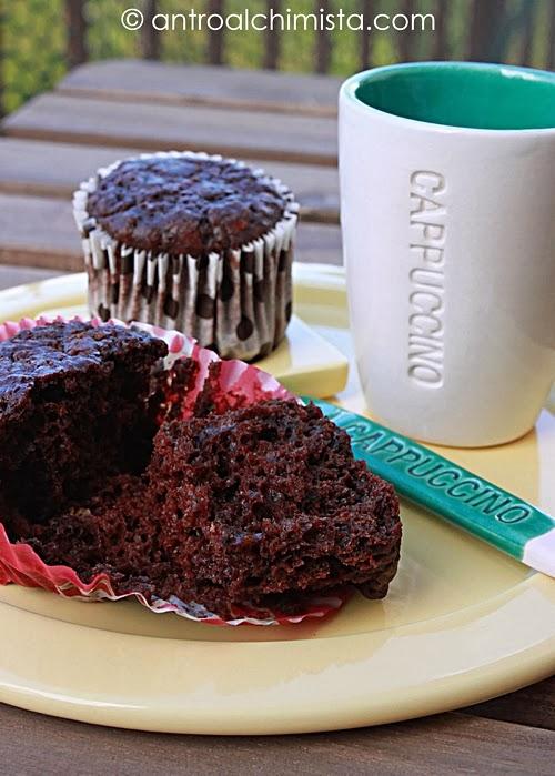 Muffins al Cioccolato con Quark e Gelatine alla Ciliegia