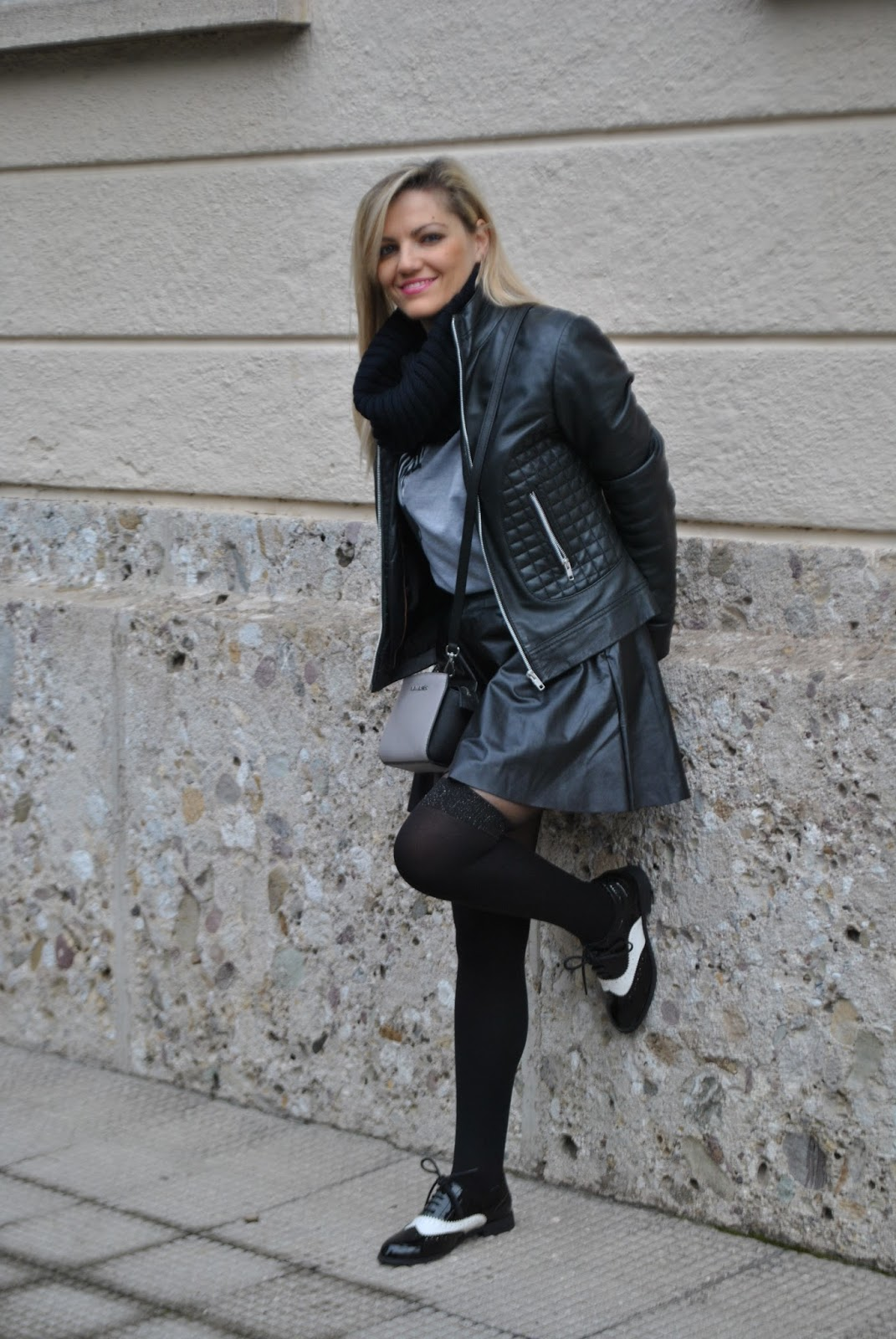 Color-Block By FelyM.: OUTFIT: BLACK LEATHER SKIRT