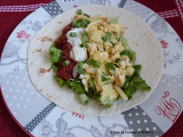 Breakfast burritos aux œufs et salsa