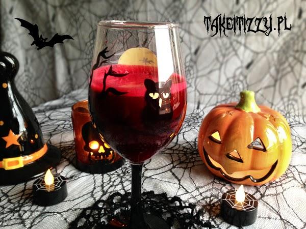 http://zielonekoktajle.blogspot.com/2014/10/halloween-krwisty-koktajl-smoothie-jak.html