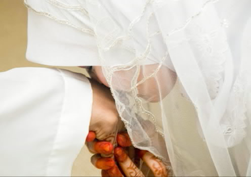 Sifat-sifat Istri yang Mendatangkan Rezeki bagi Suami
