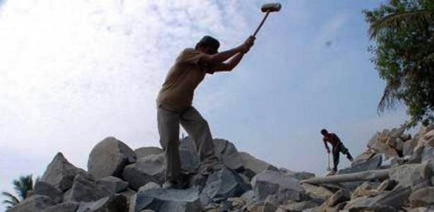 Pelajaran Berharga dari Penambang Pasir dan Pemecah Batu, hikmah kehidupan, kisah inspiratif, Bang Syaiha, http://bangsyaiha.com/