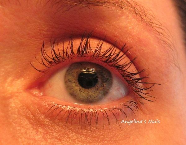 0e8dbf5a8fb ... Welle in der Mittel hat, denn genau da sind meine Wimpern nicht so  dicht getuscht, wie an den anderen Stellen und links und rechts davon sind  die ...
