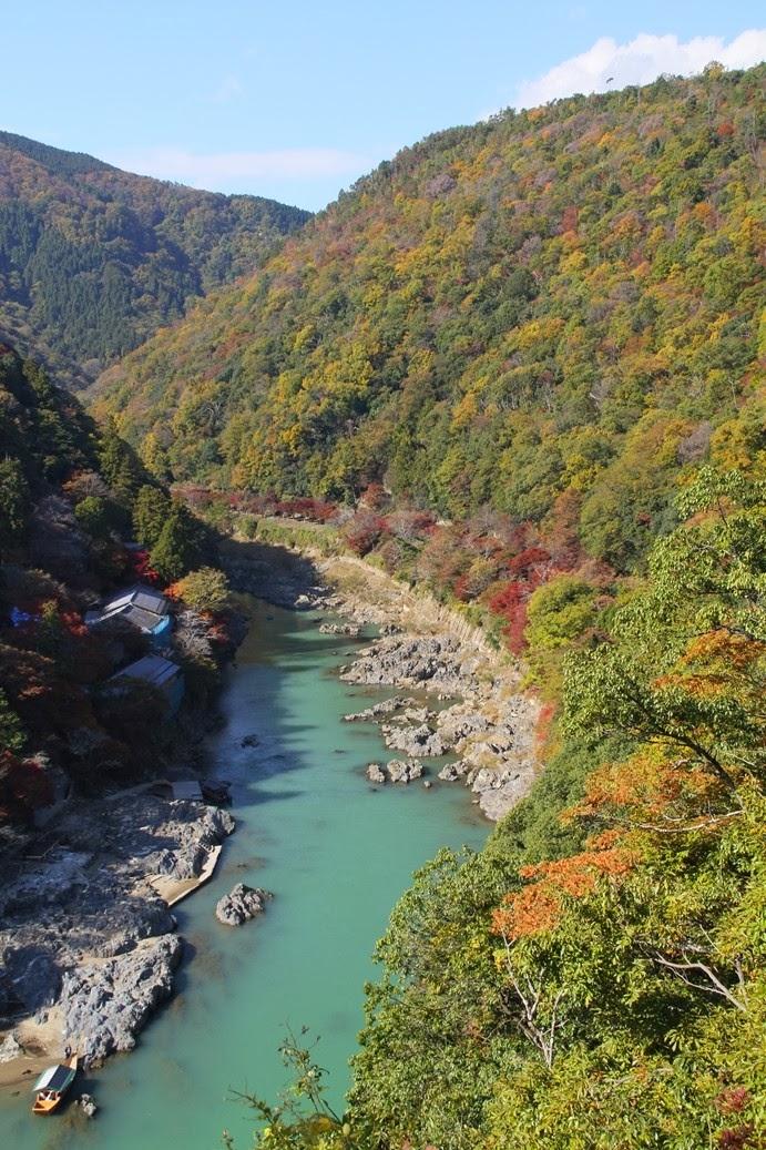 ツーリズム日本: 嵯峨嵐山の紅葉 ツーリズム日本 メディア&出版業&広告、教育(修学)旅行誘致、