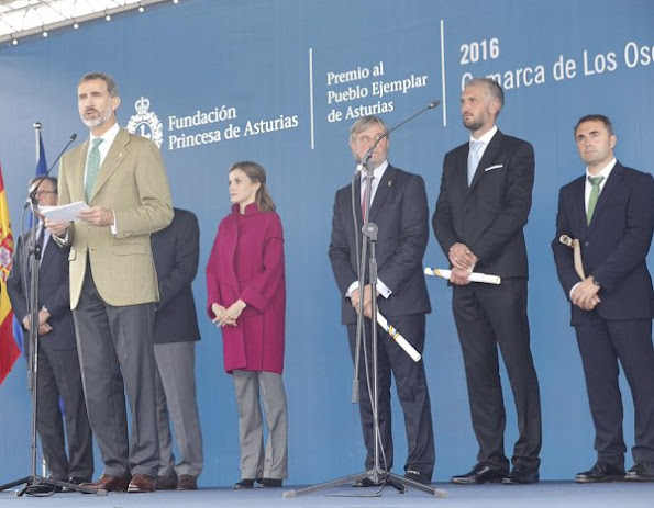 Queen Letizia wore Hugo Boss trousers, wore Hugo Boss coat, Hugo Boss boots