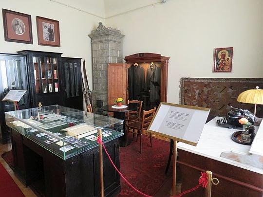 Pokój Karola Wojtyły z okresu 1951-58.