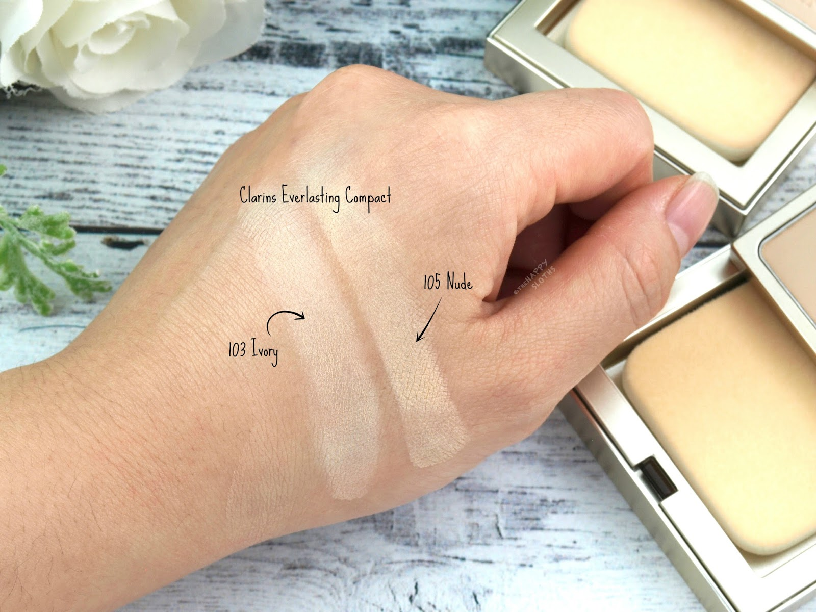"Clarins Everlasting+ Compact Foundation in ""103 Ivory"" & ""105 Nude"": Review and Swatches"