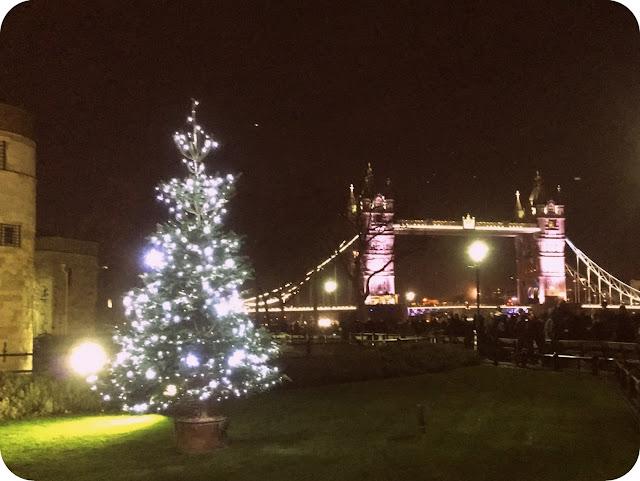 London Bridge preparado para la Navidad