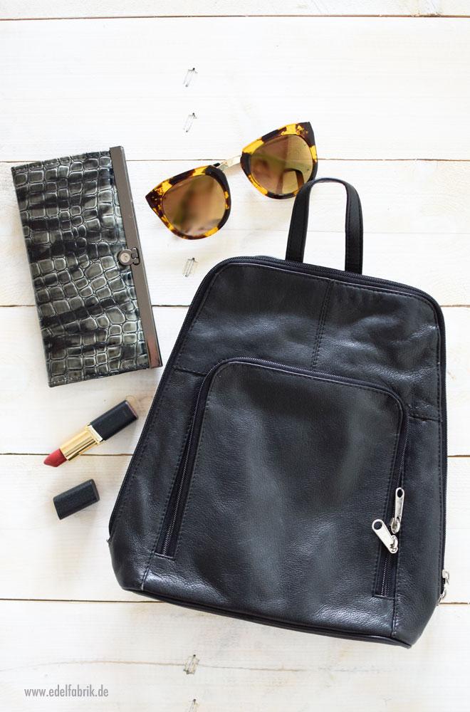 Platzsparendes Kofferpacken